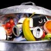 Giornata contro lo spreco: italiani più bravi, ma nel bidone 76 kg di cibo
